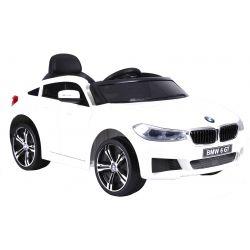 Elektrické autíčko BMW 6GT –  biele, EVA kolesá, kožené sedadlo, Batéria 2 x 6V/4Ah, 2,4 GHz DO, 2XMOTOR, USB vstup, ORGINAL licencia