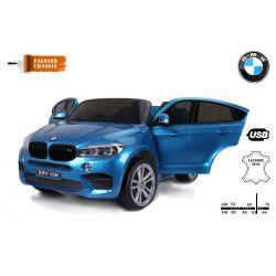 Elektrické autíčko BMW X6 M, 2 miestne, 2 x 120 W motor, 12V, elektrická brzda, 2,4 GHz dialkové ovládanie, otváravé dvere, EVA kolesá, kožené sedadlo, 2 X MOTOR, modré lakované, ORGINAL licencia